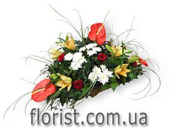 Arrangement in a basket For bussines Woman