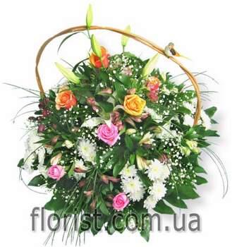 Корзина из цветов Весенний праздник